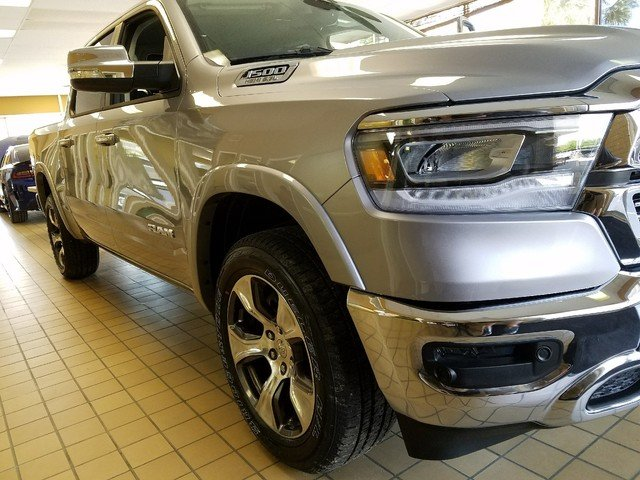 2019 Ram 1500 Crew Cab 4x4,  Pickup #R504649 - photo 3