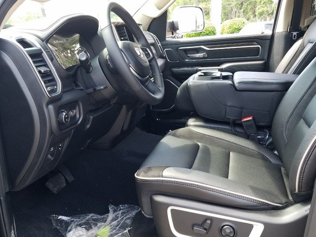 2019 Ram 1500 Crew Cab 4x2,  Pickup #R506726 - photo 5