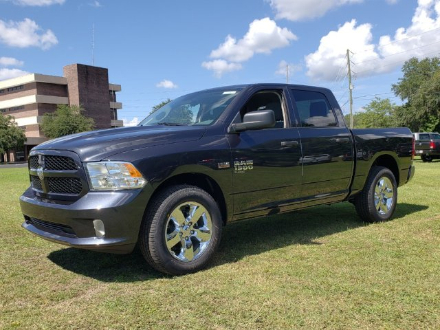 2019 Ram 1500 Crew Cab 4x2,  Pickup #R507677 - photo 1