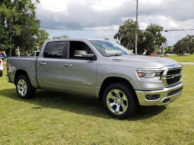 2019 Ram 1500 Crew Cab 4x2,  Pickup #R535108 - photo 3