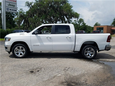 2019 Ram 1500 Crew Cab 4x2,  Pickup #R535111 - photo 4