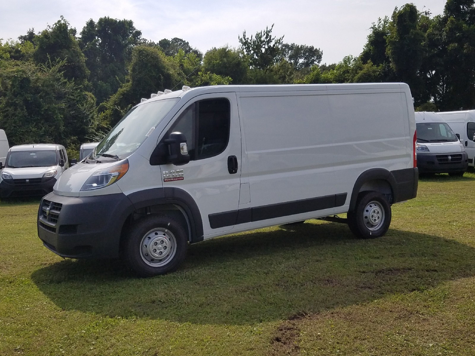 2017 ProMaster 1500 Low Roof, Cargo Van #R549420 - photo 3