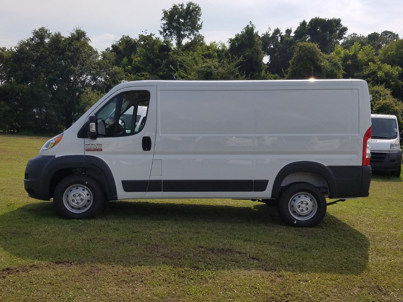 2017 ProMaster 1500 Low Roof, Cargo Van #R549420 - photo 4