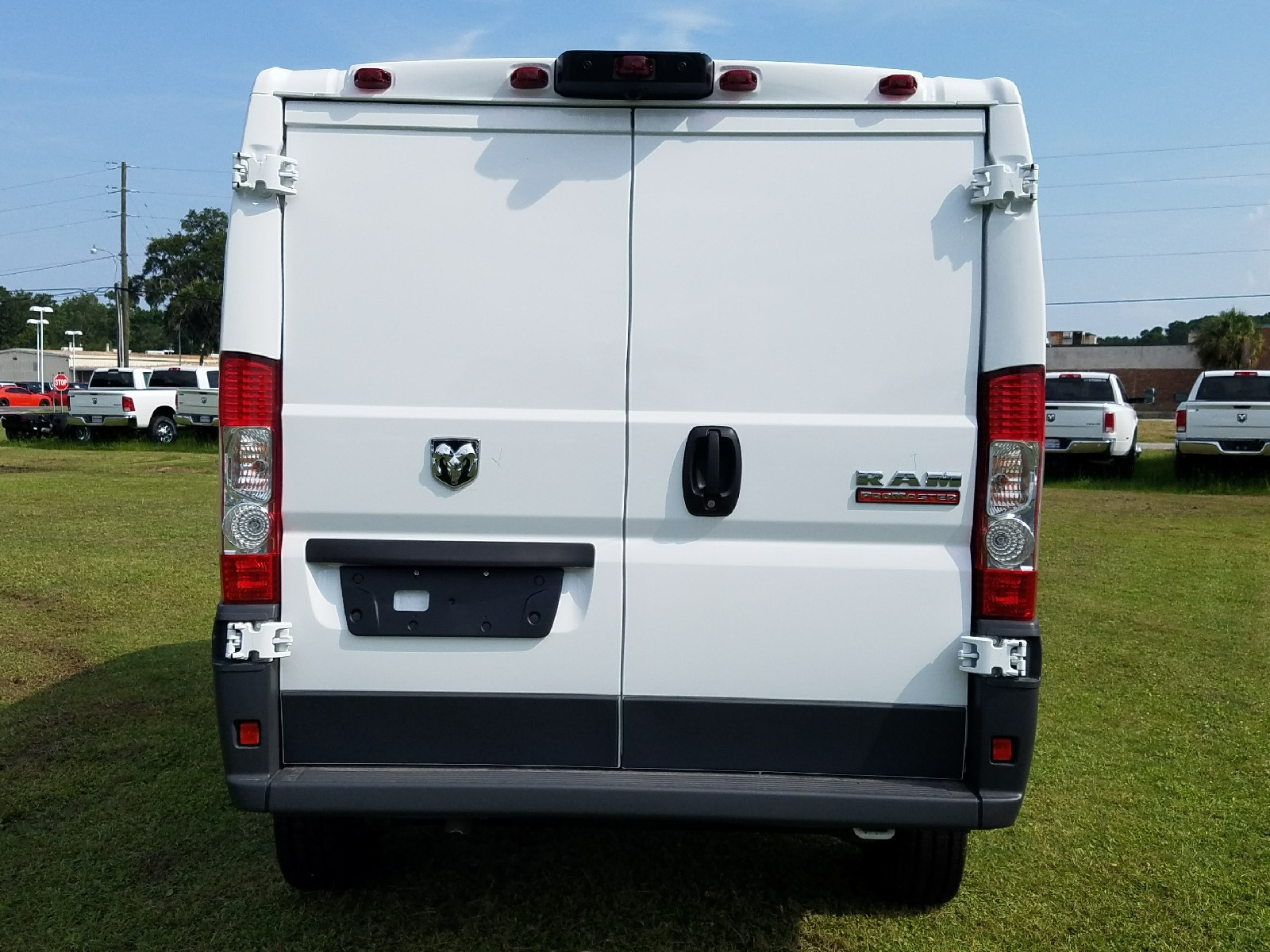 2017 ProMaster 1500 Low Roof, Cargo Van #R549420 - photo 8