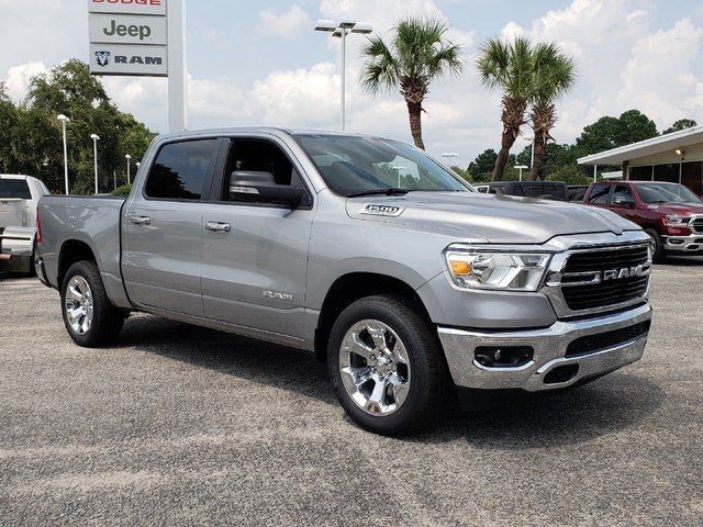 2019 Ram 1500 Crew Cab 4x2,  Pickup #R617864 - photo 3