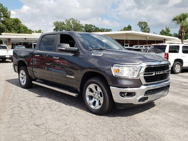 2019 Ram 1500 Crew Cab 4x2,  Pickup #R617869 - photo 3