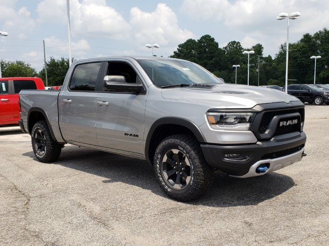 2019 Ram 1500 Crew Cab 4x4,  Pickup #R629016 - photo 3