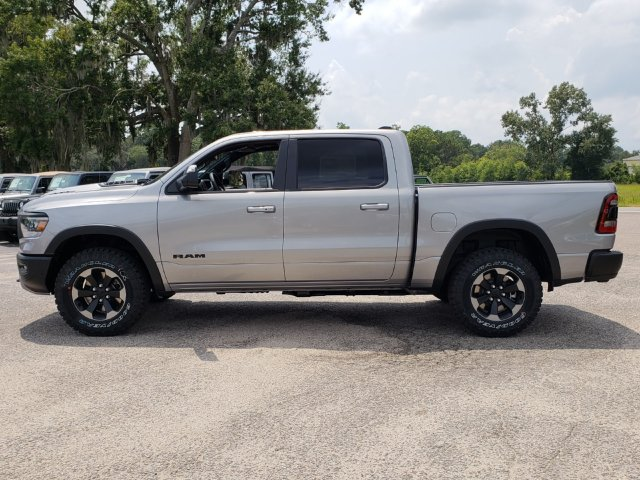 2019 Ram 1500 Crew Cab 4x4,  Pickup #R629017 - photo 4