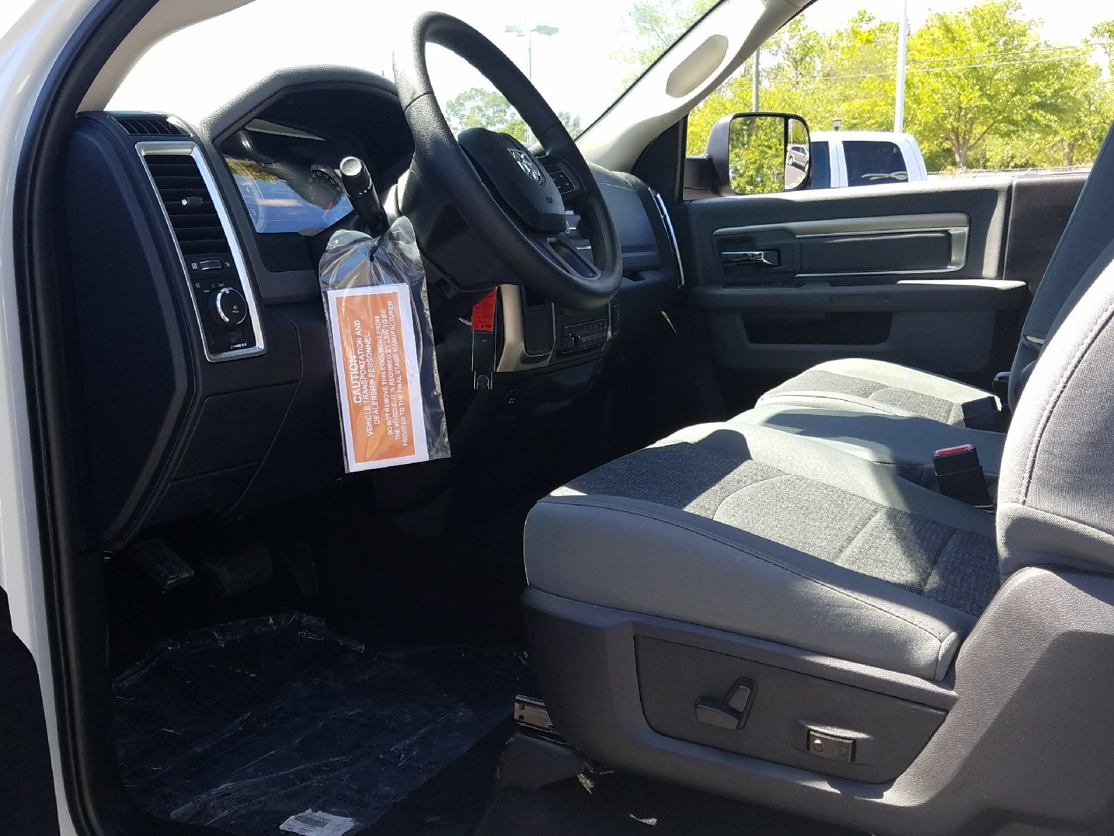 2017 Ram 3500 Regular Cab DRW, Cab Chassis #R666942 - photo 5