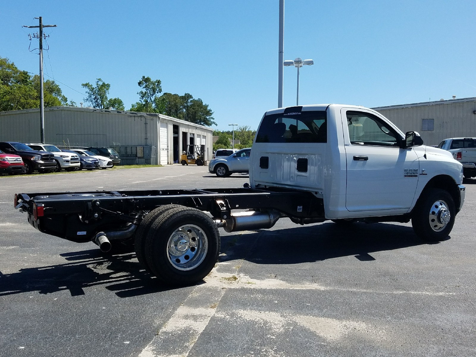 2017 Ram 3500 Regular Cab DRW, Cab Chassis #R666942 - photo 2