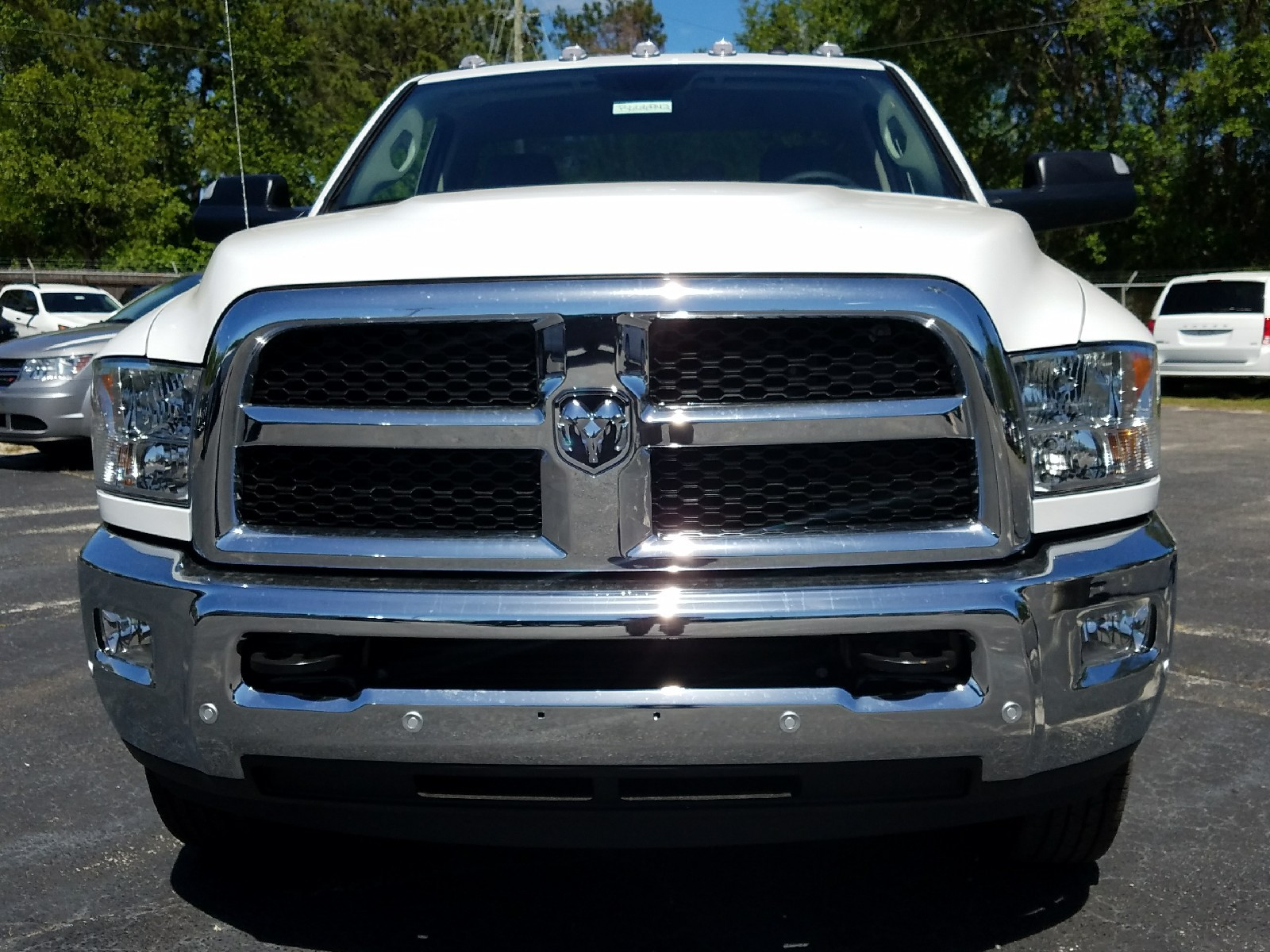 2017 Ram 3500 Regular Cab DRW, Cab Chassis #R666942 - photo 8