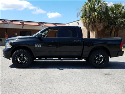 2017 Ram 1500 Crew Cab 4x4 Pickup #R694883 - photo 4