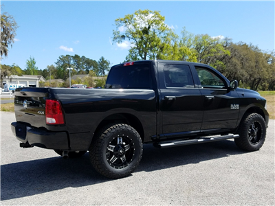 2017 Ram 1500 Crew Cab 4x4 Pickup #R694883 - photo 2