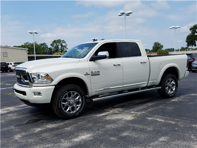 2017 Ram 3500 Crew Cab 4x4 Pickup #R723872 - photo 3