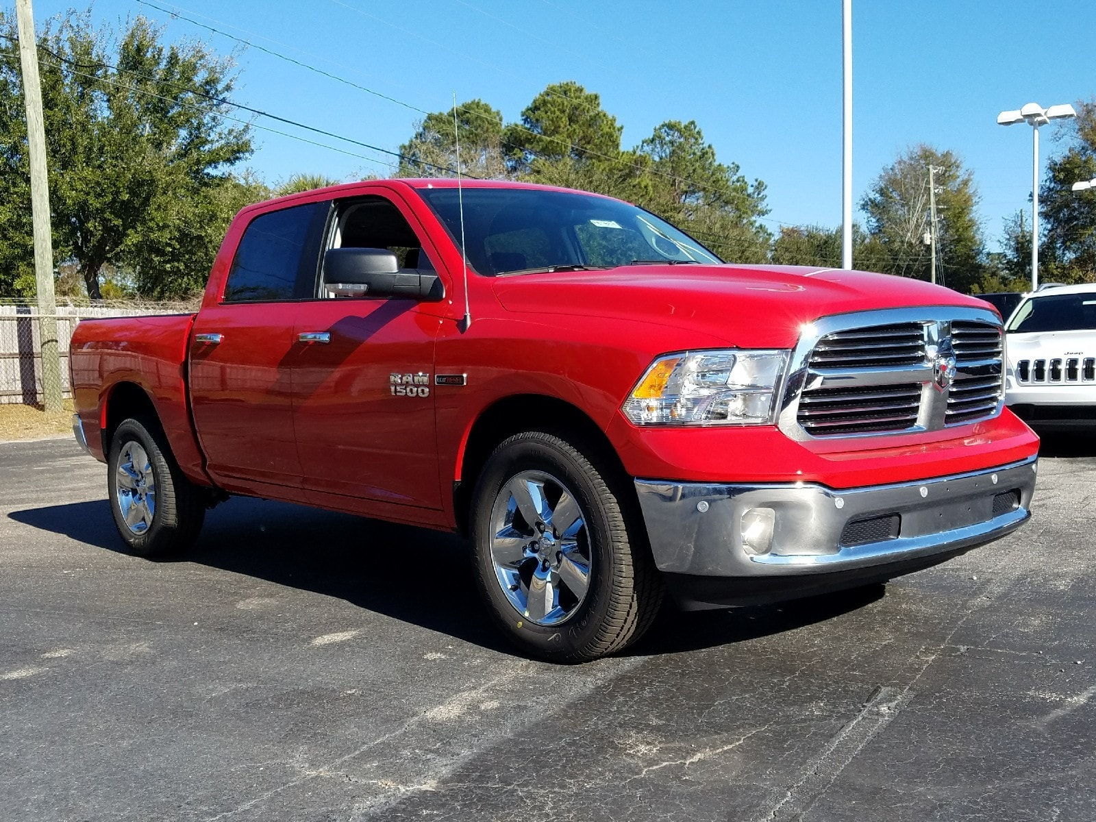 2017 Ram 1500 Crew Cab 4x4 Pickup #R878313 - photo 3