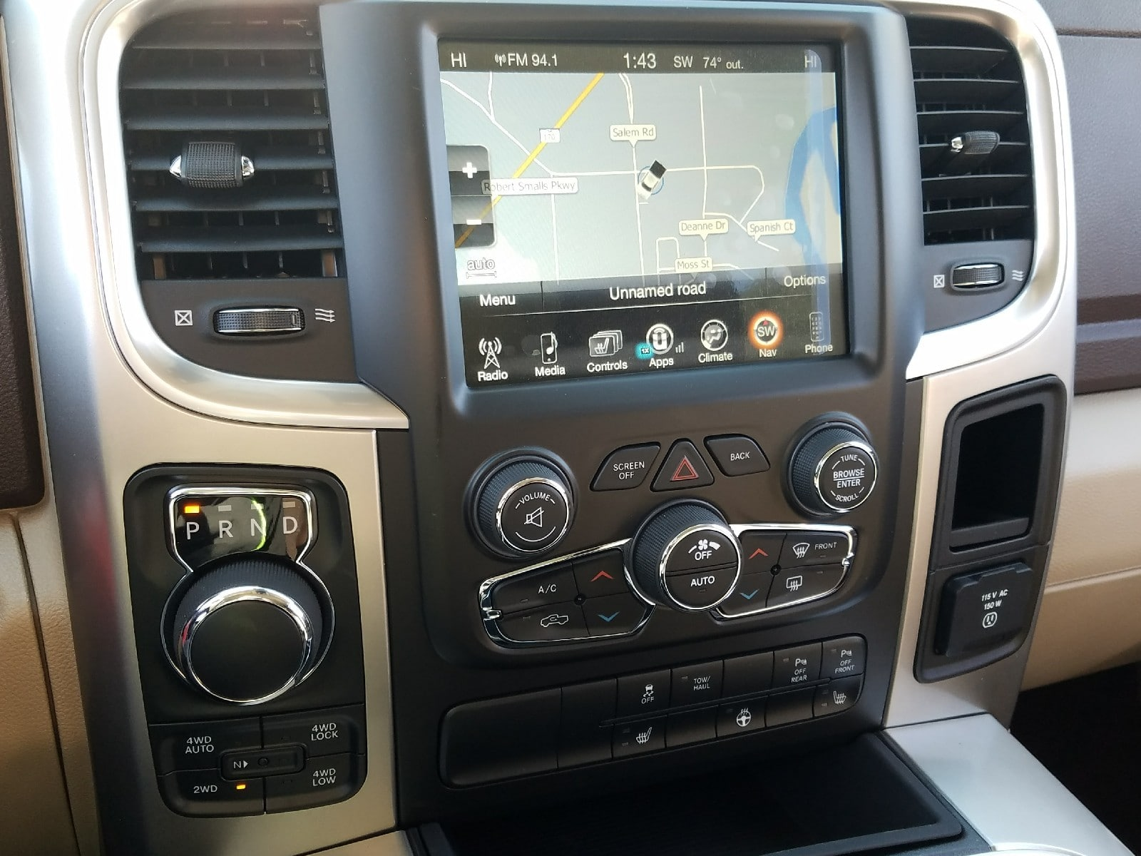 2017 Ram 1500 Crew Cab 4x4 Pickup #R878313 - photo 10