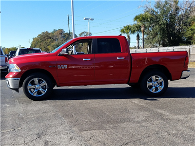 2017 Ram 1500 Crew Cab 4x4 Pickup #R878313 - photo 4