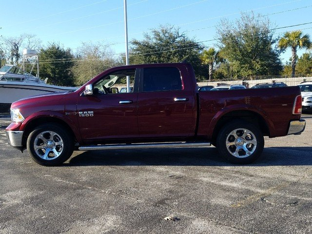 2017 Ram 1500 Crew Cab 4x4, Pickup #R880698 - photo 4