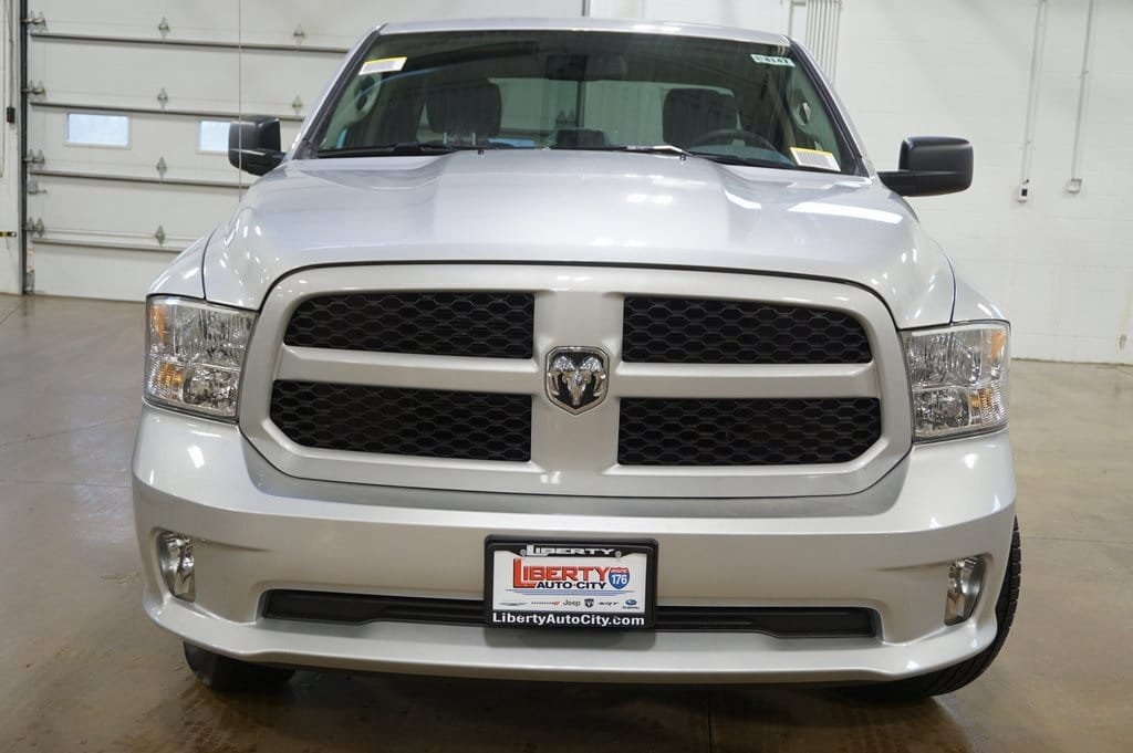 2018 Ram 1500 Quad Cab 4x4,  Pickup #618147 - photo 3