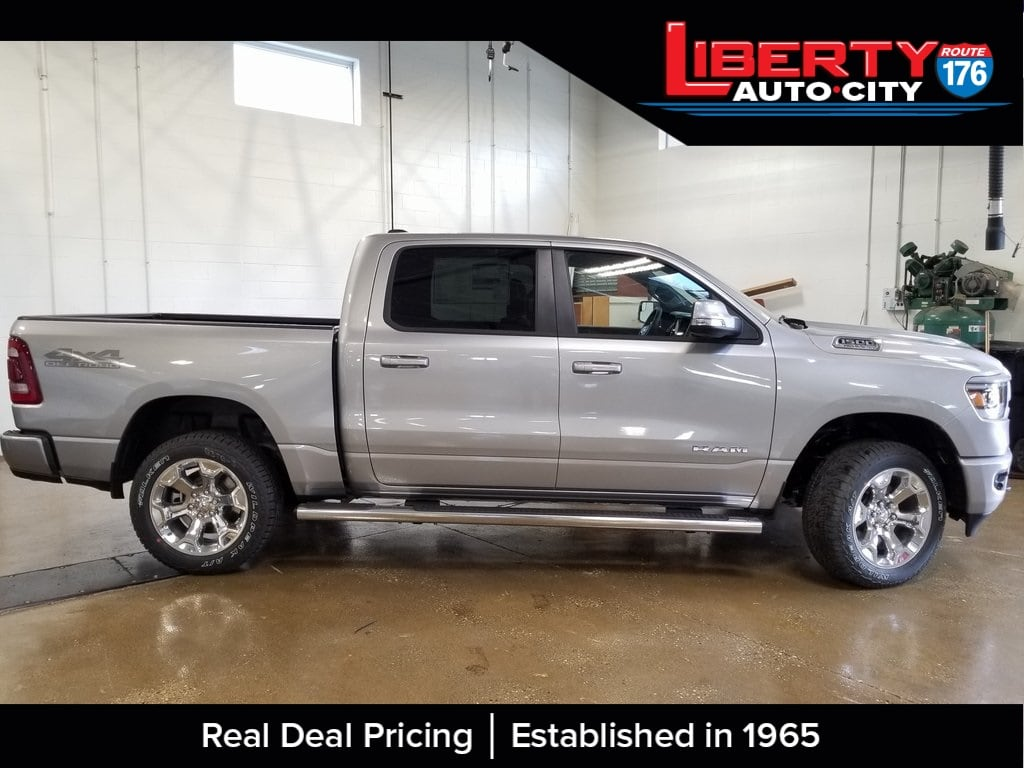 2019 Ram 1500 Crew Cab 4x4,  Pickup #619038 - photo 7