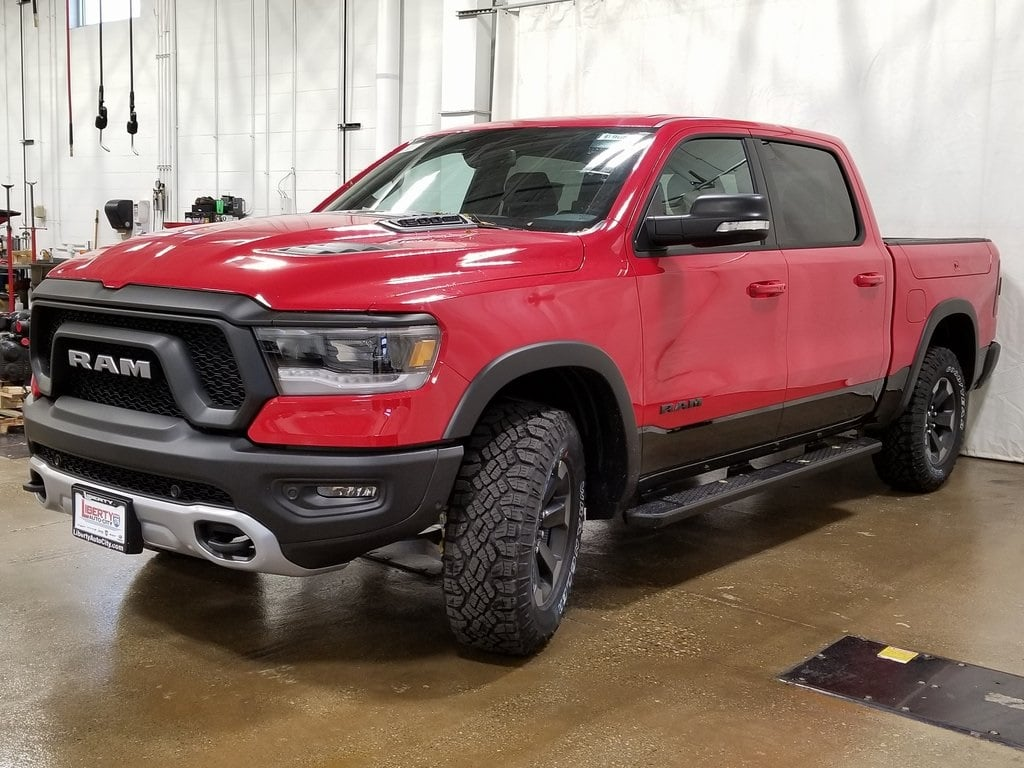 2019 Ram 1500 Crew Cab 4x4,  Pickup #619057 - photo 4