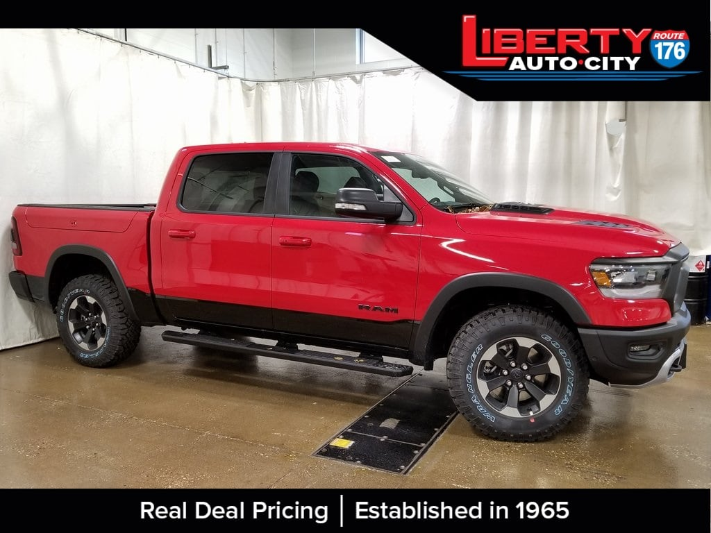2019 Ram 1500 Crew Cab 4x4,  Pickup #619057 - photo 5