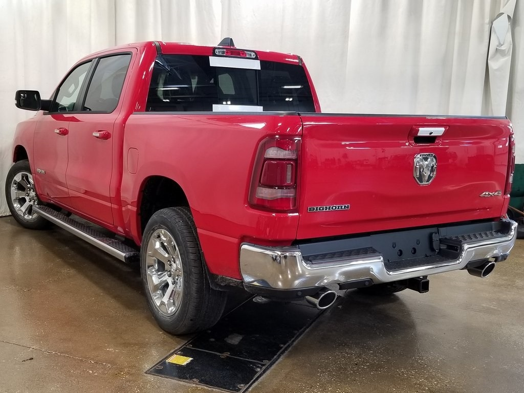 2019 Ram 1500 Crew Cab 4x4, Pickup #619125 - photo 7