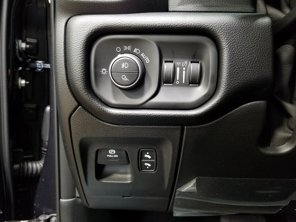 2019 Ram 1500 Crew Cab 4x4,  Pickup #619161 - photo 16