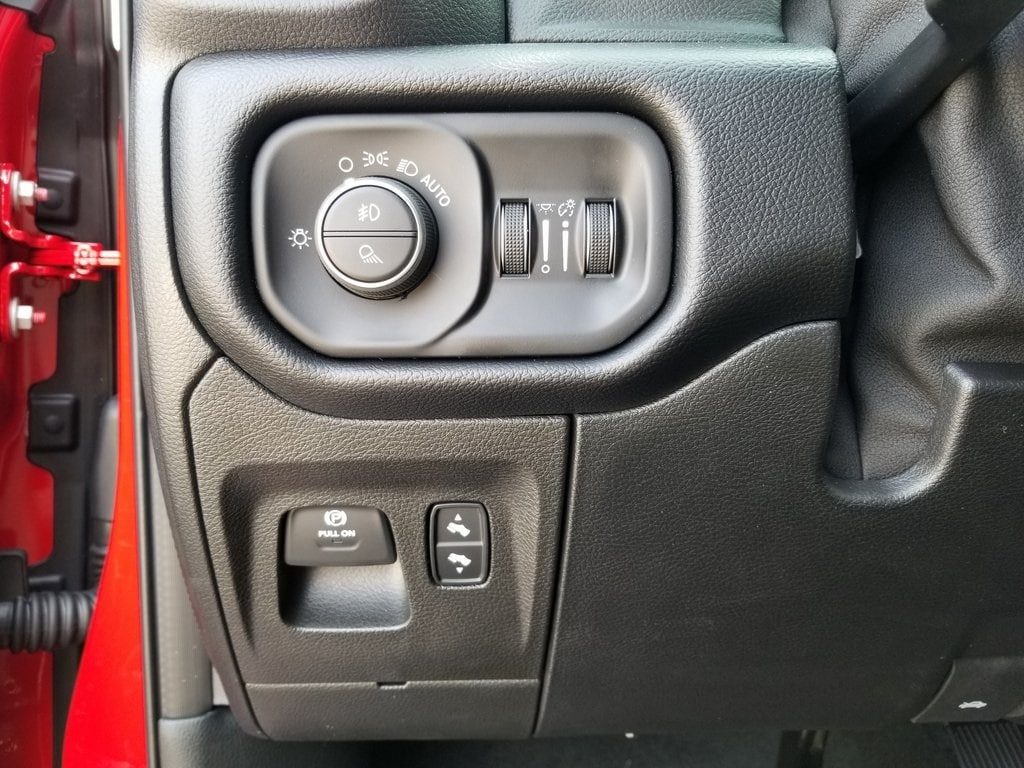2019 Ram 1500 Crew Cab 4x4,  Pickup #619162 - photo 17