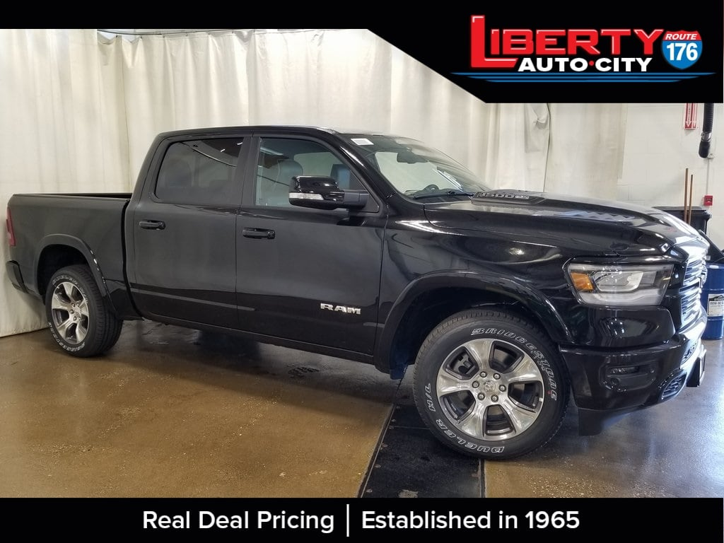 2019 Ram 1500 Crew Cab 4x4,  Pickup #619169 - photo 4