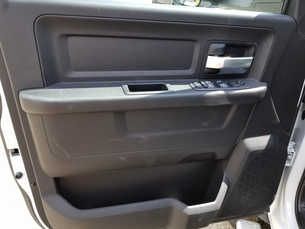 2019 Ram 5500 Crew Cab DRW 4x4,  Knapheide Aluminum PGNB Gooseneck Platform Body #619172 - photo 11