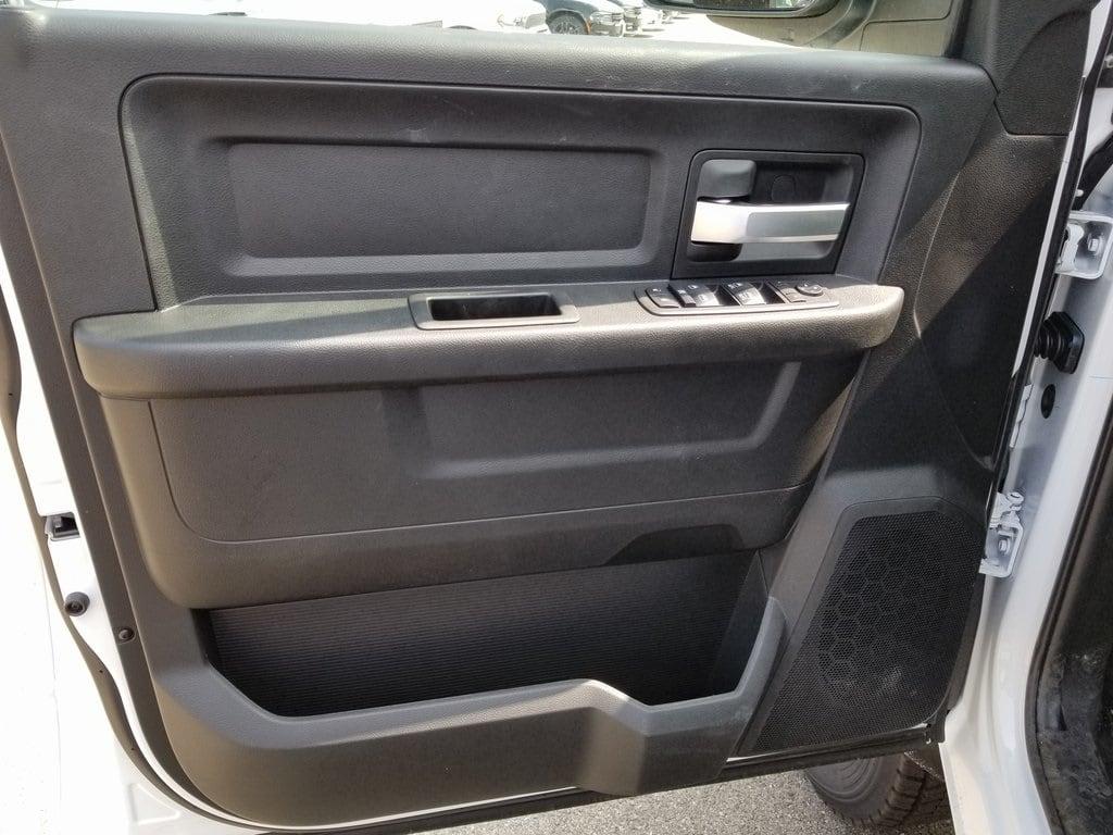 2019 Ram 5500 Crew Cab DRW 4x4,  Cab Chassis #619176 - photo 10
