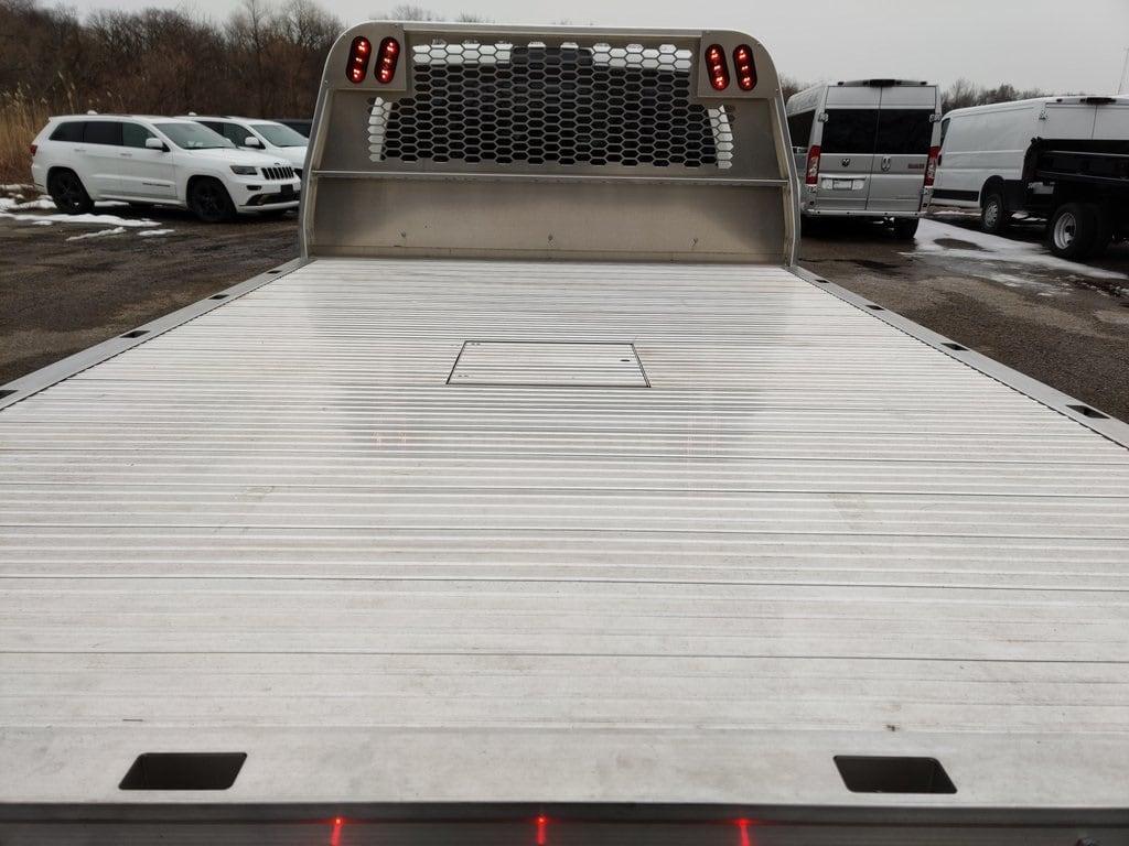 2019 Ram 5500 Crew Cab DRW 4x4, Knapheide Aluminum PGNB Gooseneck Platform Body #619176 - photo 8