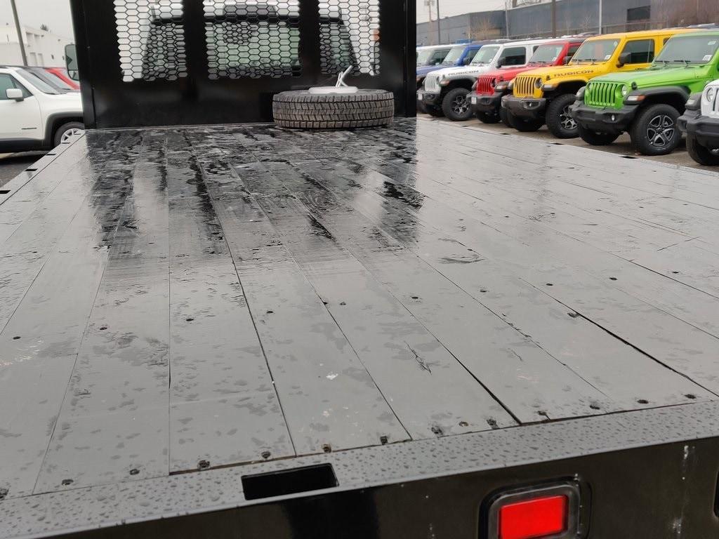 2019 Ram 5500 Regular Cab DRW 4x4, Knapheide Platform Body #619239 - photo 18