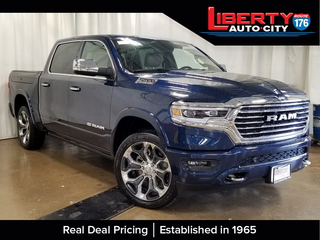 2019 Ram 1500 Crew Cab 4x4, Pickup #619245 - photo 1