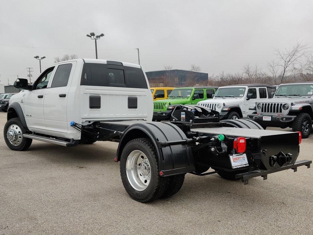 2019 Ram 5500 Crew Cab DRW 4x4, Hauler Body #619277 - photo 14