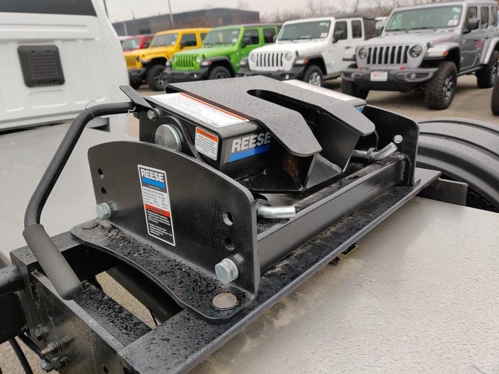 2019 Ram 5500 Crew Cab DRW 4x4, Hauler Body #619277 - photo 18