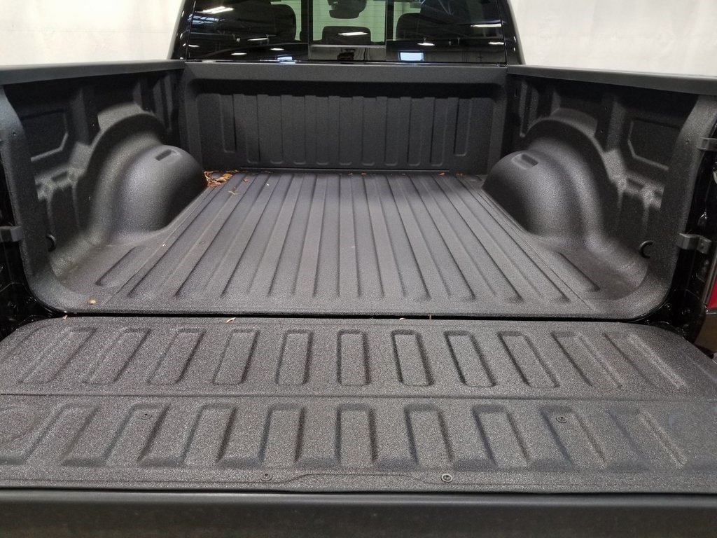 2020 Ram 1500 Crew Cab 4x4, Pickup #620005 - photo 9