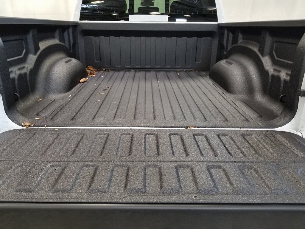 2020 Ram 1500 Crew Cab 4x4, Pickup #620009 - photo 9