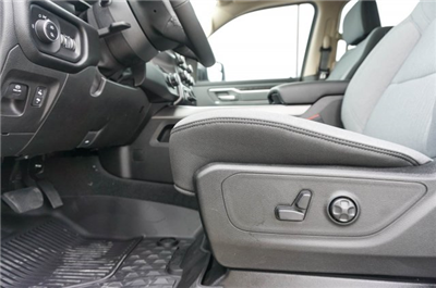 2019 Ram 1500 Crew Cab 4x2,  Pickup #C90067 - photo 15