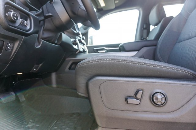 2019 Ram 1500 Crew Cab 4x2,  Pickup #C90166 - photo 13