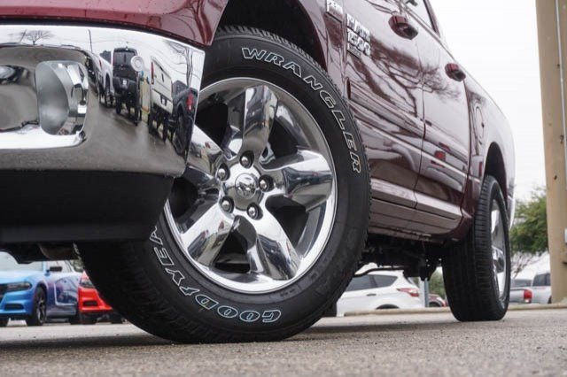 2019 Ram 1500 Crew Cab 4x2,  Pickup #C90372 - photo 3