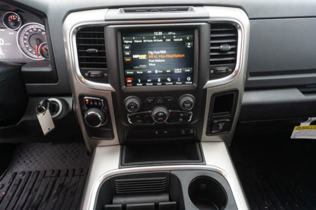 2019 Ram 1500 Crew Cab 4x2,  Pickup #C90414 - photo 9