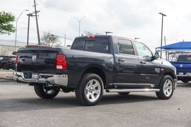 2019 Ram 1500 Crew Cab 4x2,  Pickup #C90444 - photo 5