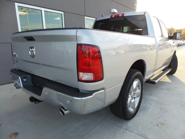 2017 Ram 1500 Crew Cab Pickup #170587 - photo 2