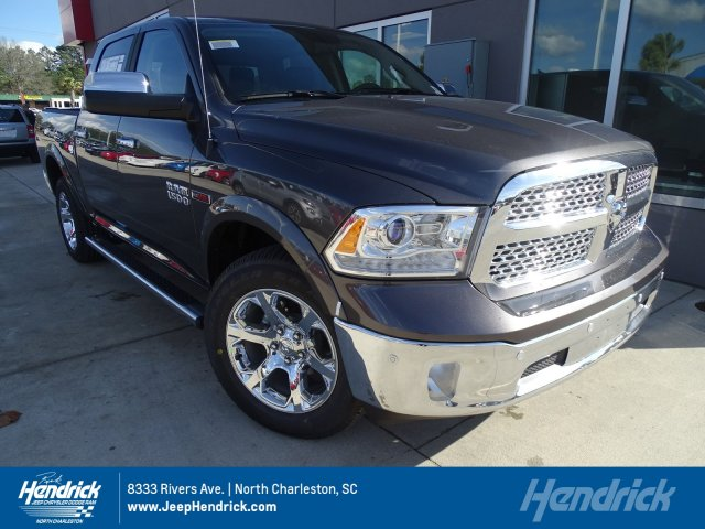 2017 Ram 1500 Crew Cab 4x4, Pickup #171389 - photo 1