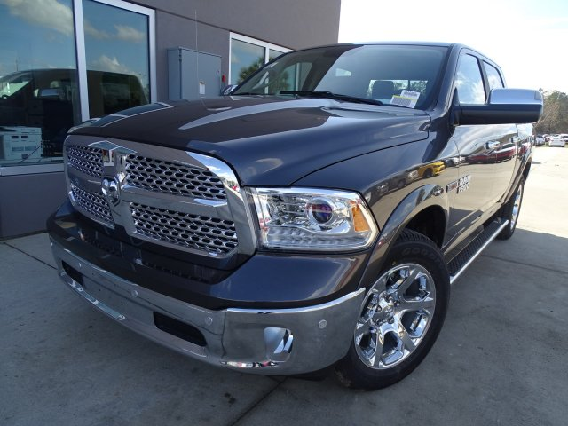 2017 Ram 1500 Crew Cab 4x4, Pickup #171389 - photo 5
