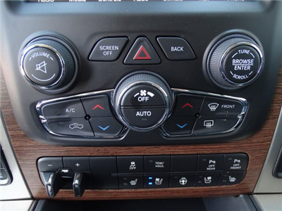 2017 Ram 1500 Crew Cab 4x4, Pickup #171389 - photo 25