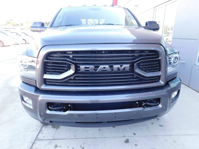 2018 Ram 3500 Crew Cab DRW 4x4 Pickup #180196 - photo 3