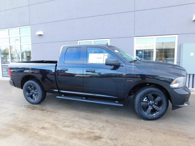 2018 Ram 1500 Quad Cab, Pickup #180242 - photo 5